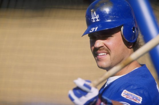 Mike Piazza in 1997. Todd Warshaw/Allsport/Getty Images