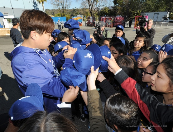 Hyun-Jin Ryu meets schoolchildren at the Children's Holiday Party hosted Friday by the Dodgers and the Los Angeles Dodgers Foundation at Dodger Stadium. (Jon SooHoo/Los Angeles Dodgers)
