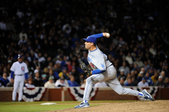 Greg Maddux finished off the Dodgers NLDS Game 1 victory at Chicago on October 1, 2008. (Jon SooHoo/Los Angeles Dodgers)