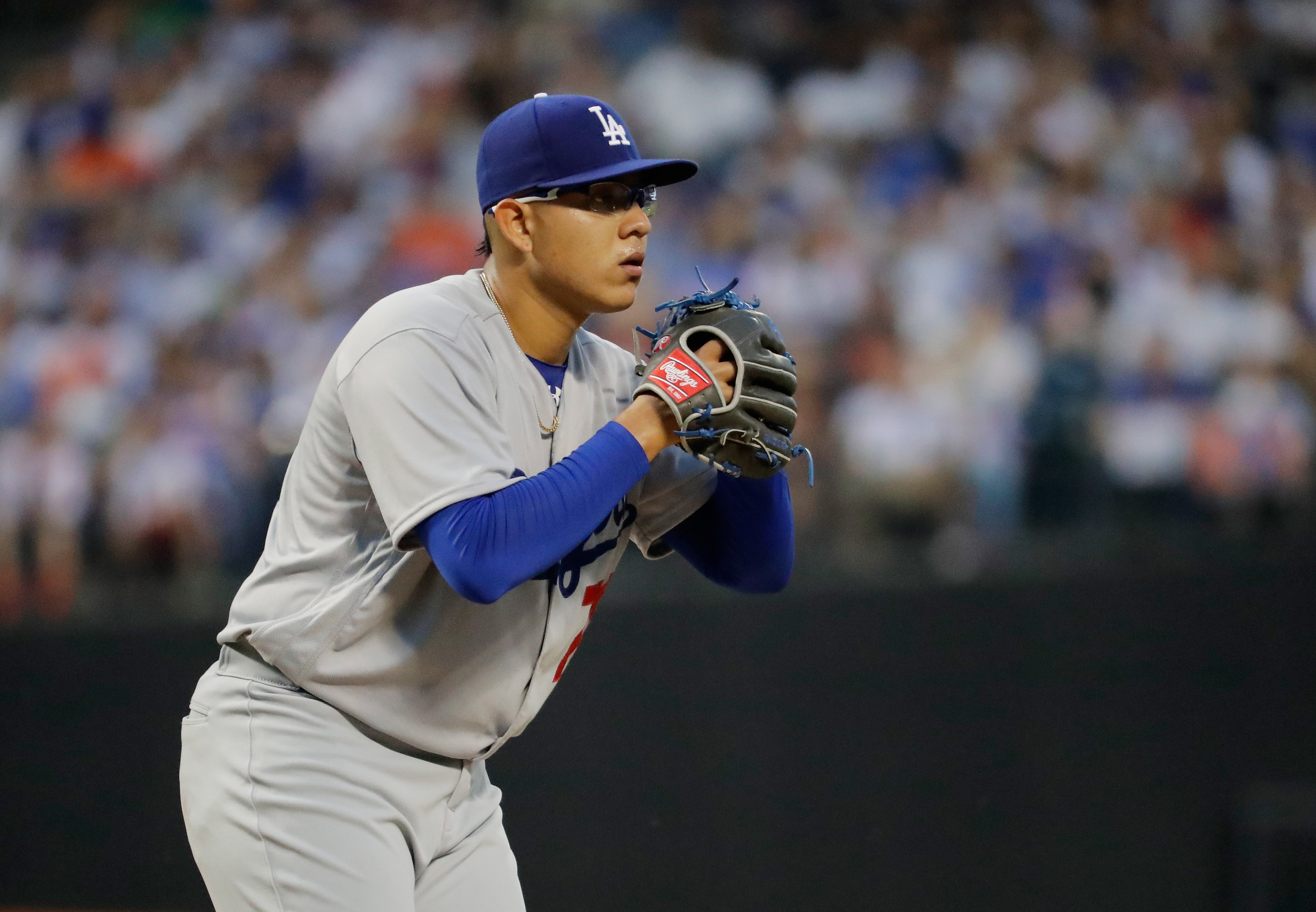 Urias throwing against Cubs, not being thrown to wolves « Dodger Insider