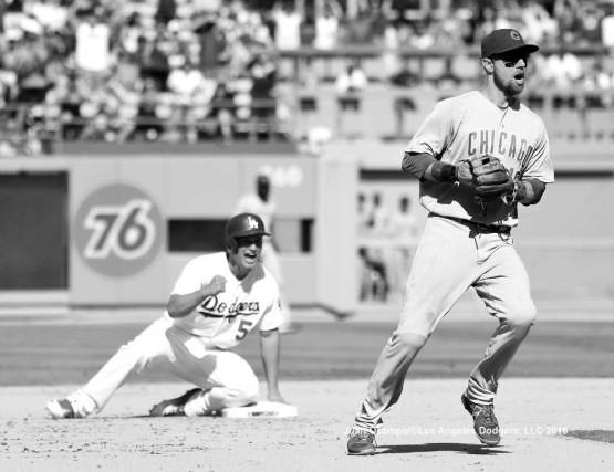Corey Seager reacts to being safe at second on the game-winning play in the eighth inning Sunday.